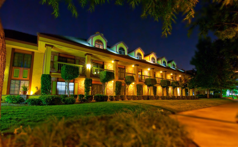 Exterior view - Best Western Plus Raffles Inn & Suites Anaheim
