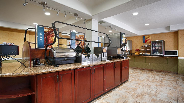 Restaurant - Best Western Plus Raffles Inn & Suites Anaheim
