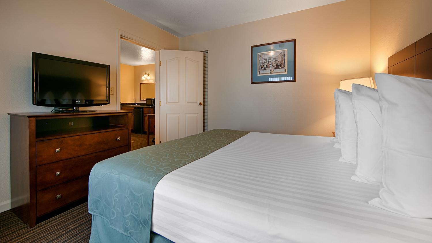 Suite - Best Western John Jay Inn Sacramento