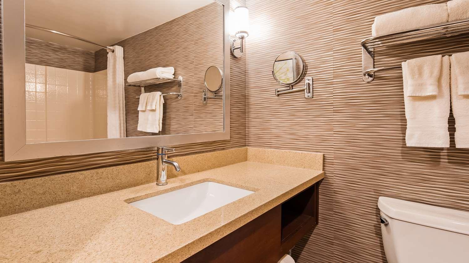 Room - Best Western Plus Rama Inn & Suites Oakdale
