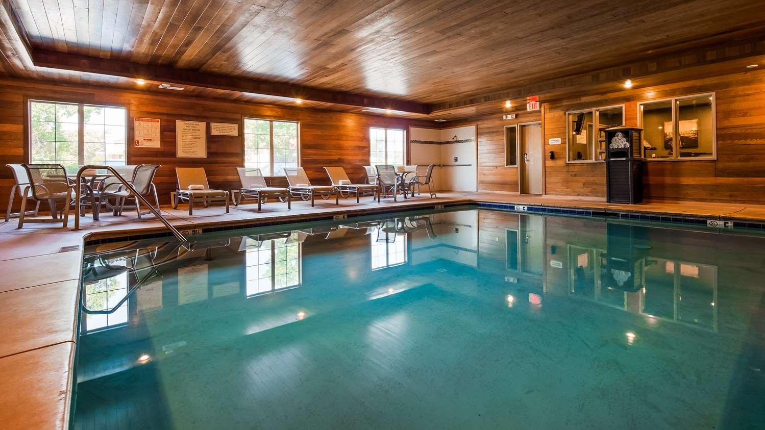 Pool - Best Western Plus Rama Inn & Suites Oakdale