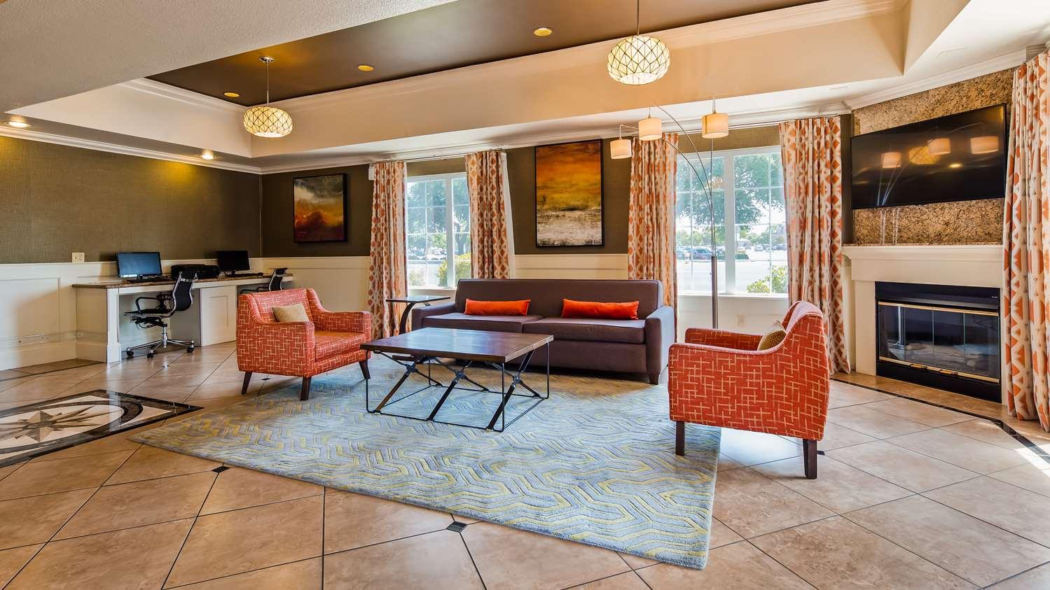 Lobby - Best Western Plus Rama Inn & Suites Oakdale