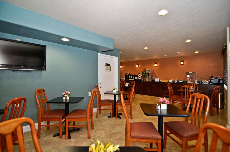 Pet Friendly Hotels Kettleman City