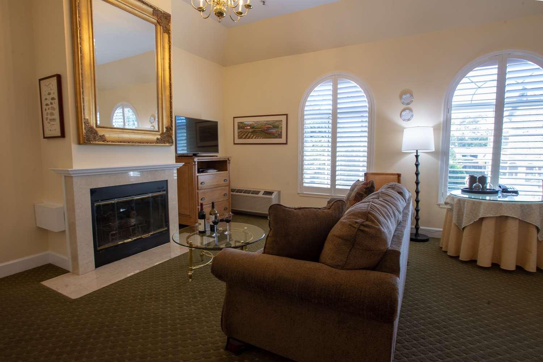 Suite - Best Western Plus Elm House Inn Napa