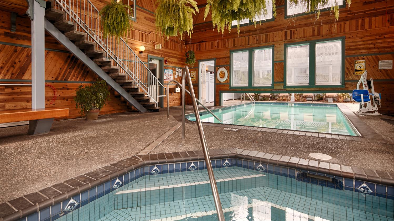 Pool - Best Western Plus Bayshore Inn Eureka