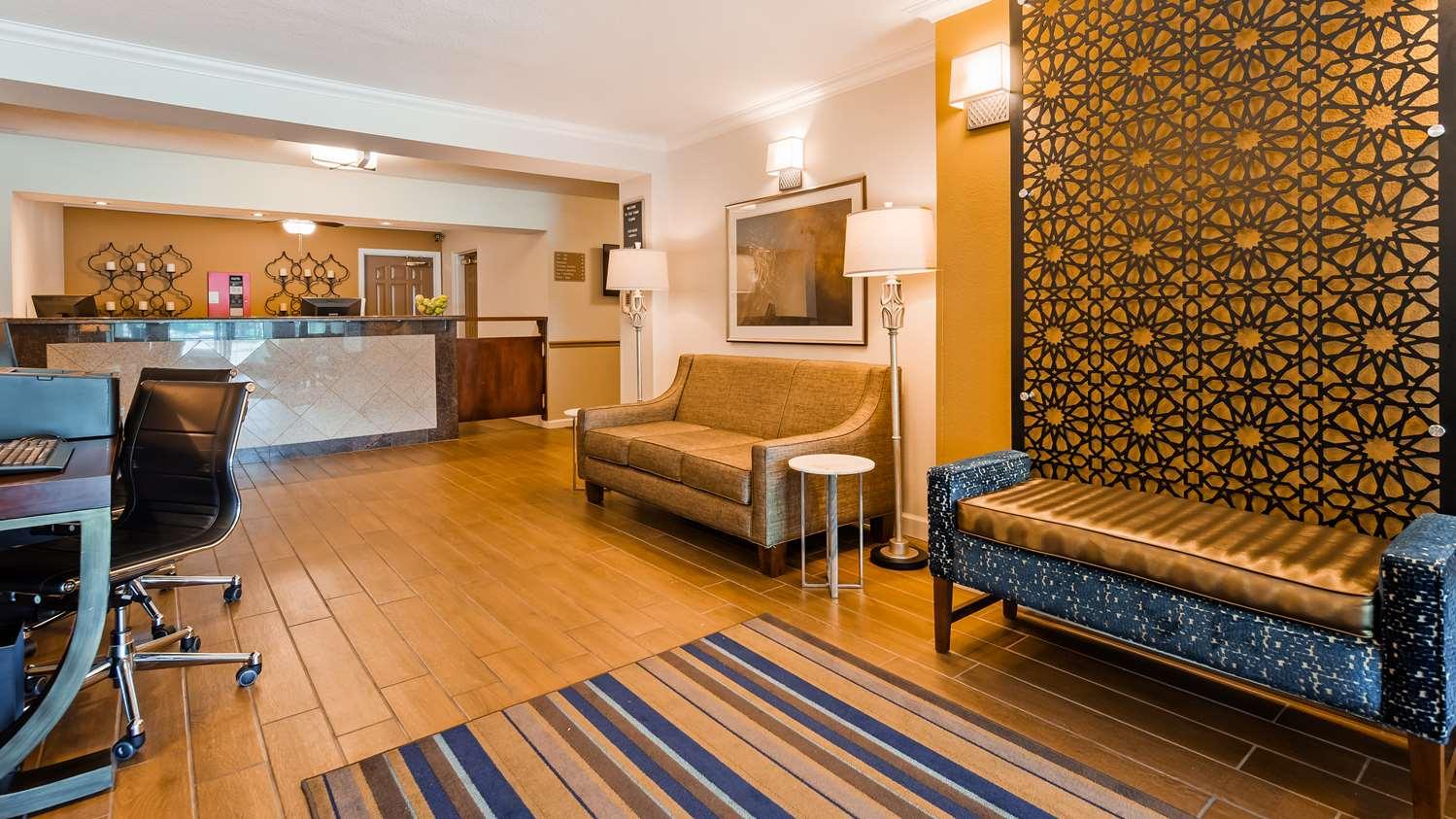Lobby - Best Western Clovis Cole Inn