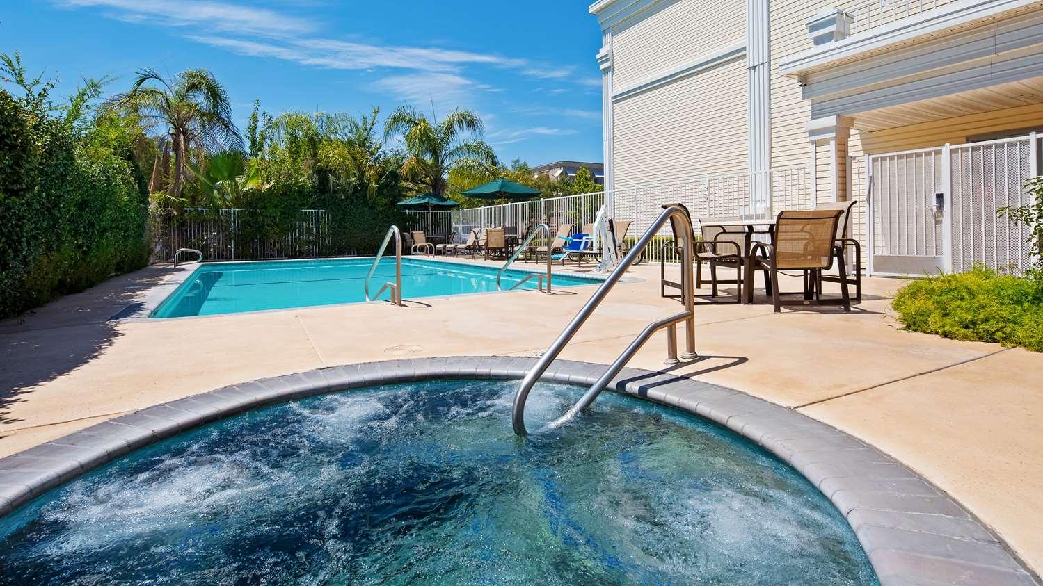 Pool - Best Western Clovis Cole Inn