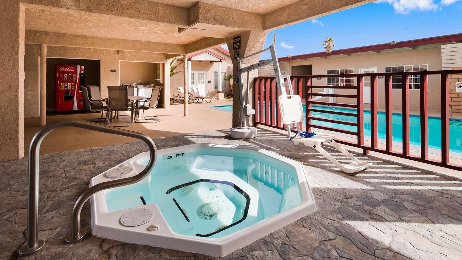 Pool - Best Western China Lake Inn Ridgecrest