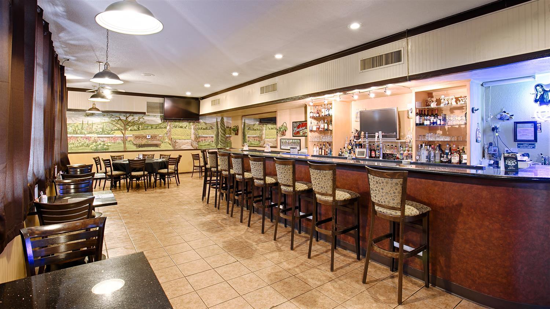 Bar - Best Western Plus Hill House Hotel Bakersfield