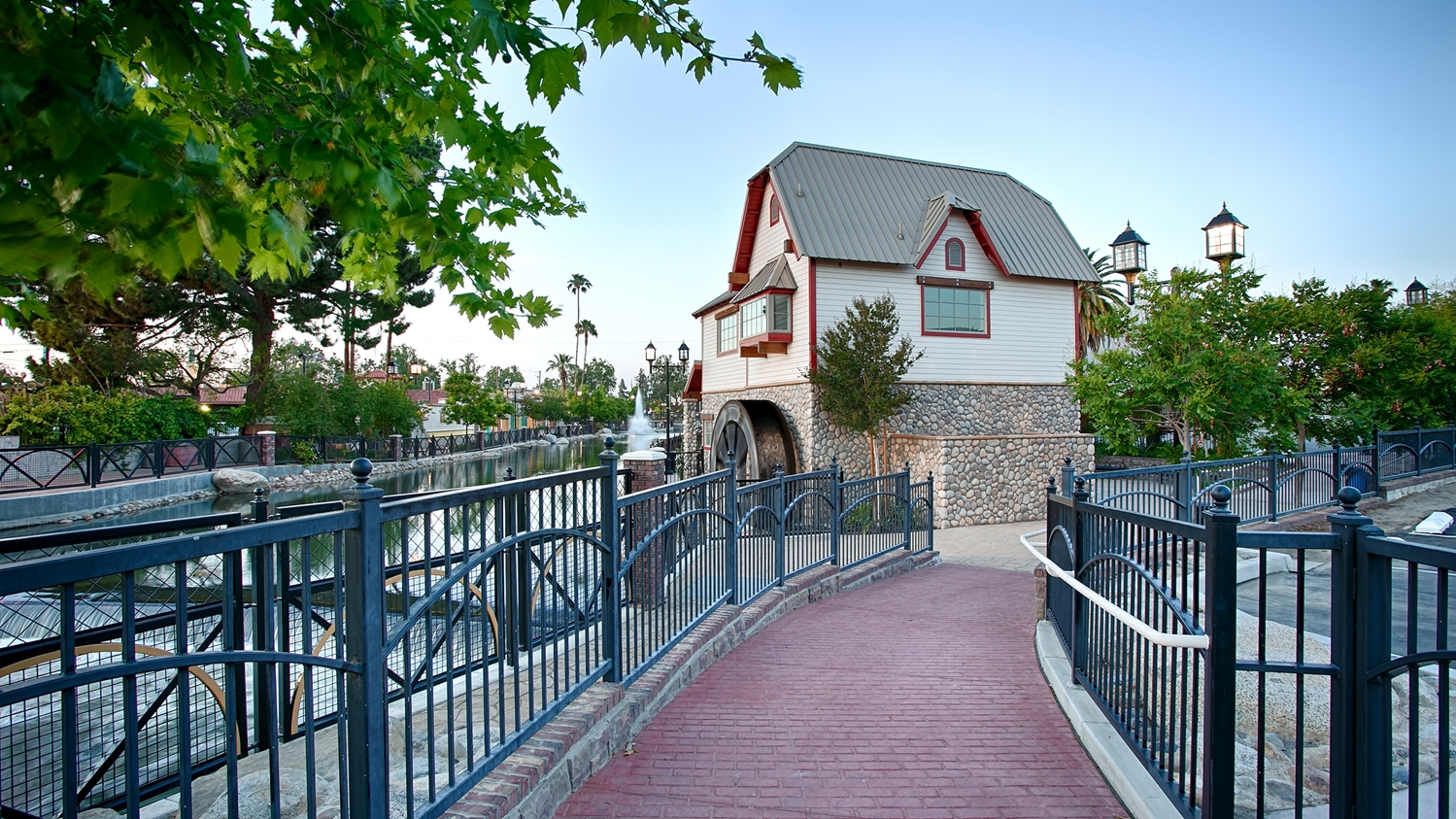 Exterior view - Best Western Plus Hill House Hotel Bakersfield