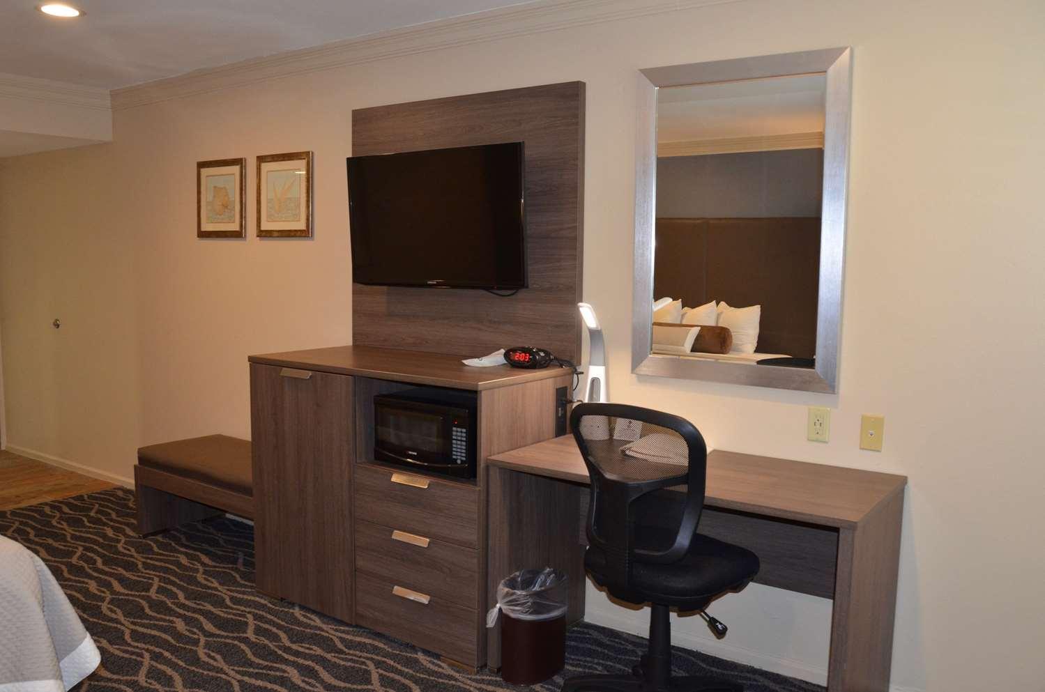 Room - Best Western Plus Hill House Hotel Bakersfield