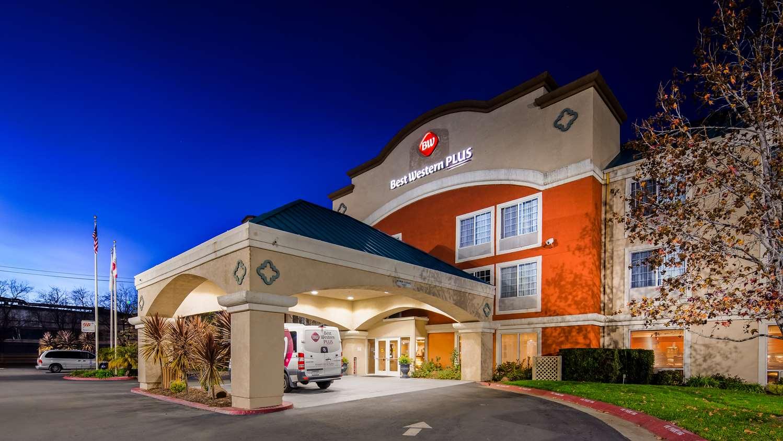 Pet Friendly Hotels Oakland Ca