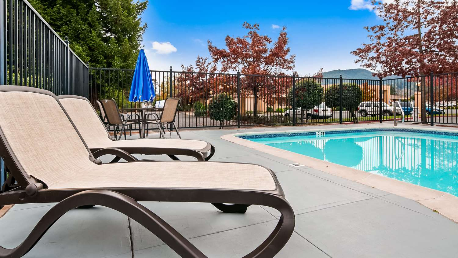 Pool - Best Western Orchard Inn Ukiah