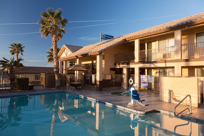 Pool Best Western Desert Winds Motel Mojave