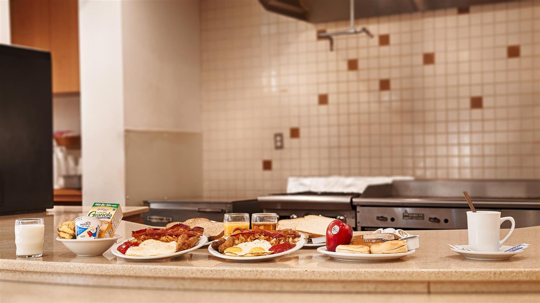 Restaurant - Best Western Plus Palm Desert Resort