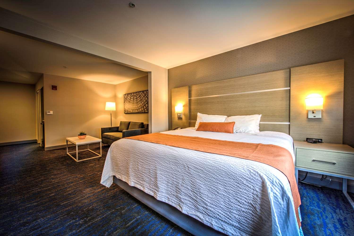 Room - Best Western Plus Media Center Inn Suites Burbank