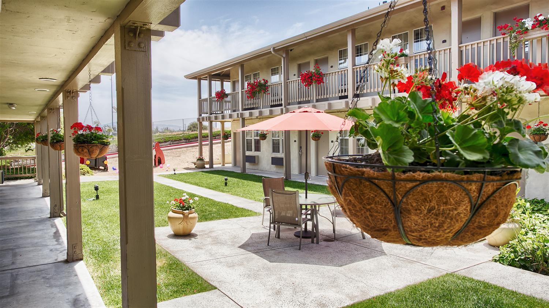 Exterior view - Best Western Beach Dunes Inn Marina