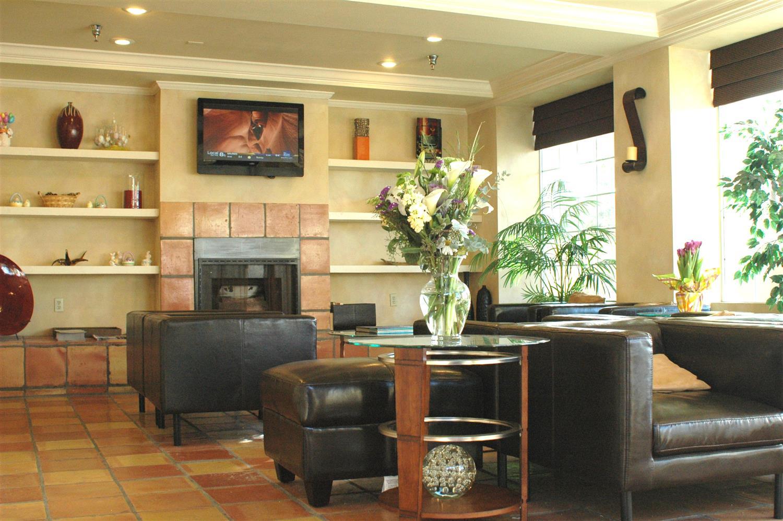 Lobby - Best Western Beach Dunes Inn Marina