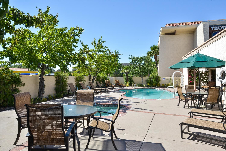 Pool - Best Western Plus Thousand Oaks Inn