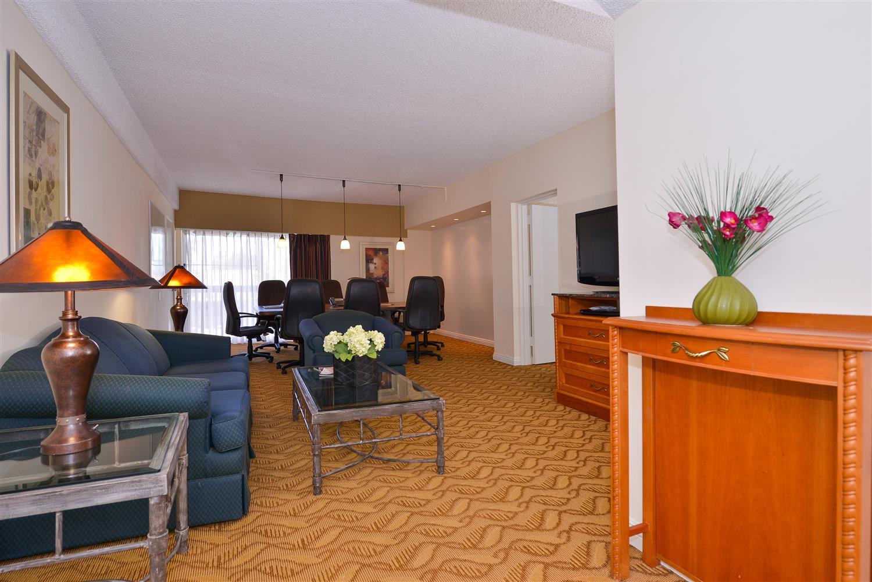 Suite - Best Western Plus Thousand Oaks Inn
