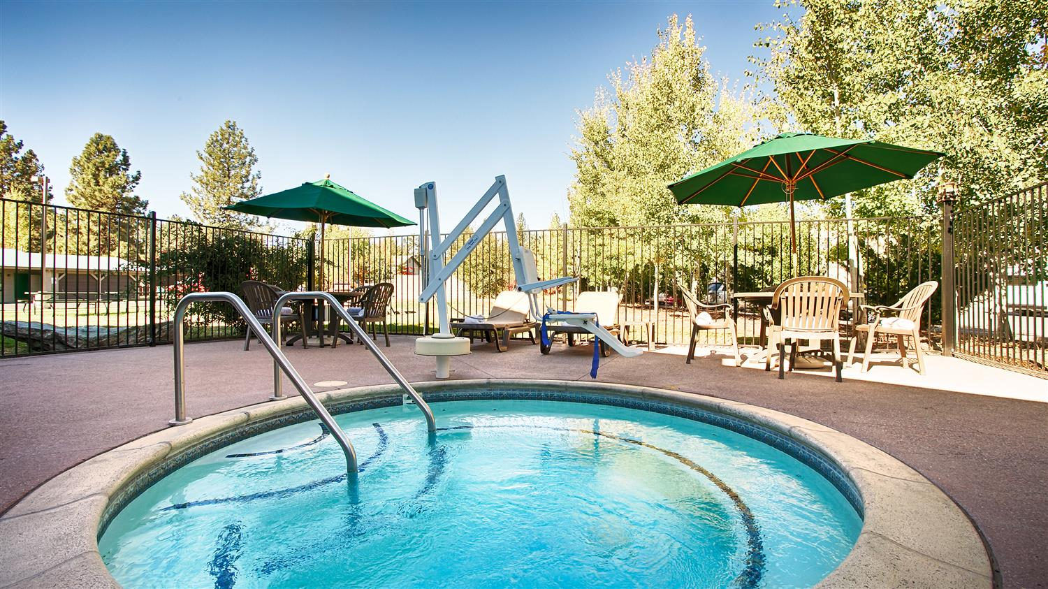Best western rose quartz inn chester ca see discounts - Best hotel swimming pools in california ...