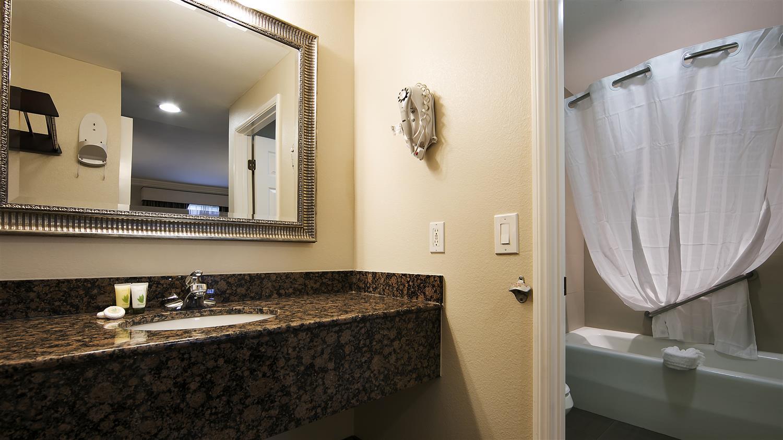 Room - Best Western Woodland Hills Inn