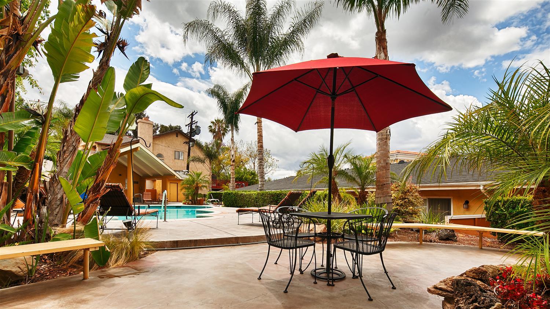 Exterior view - Best Western Woodland Hills Inn