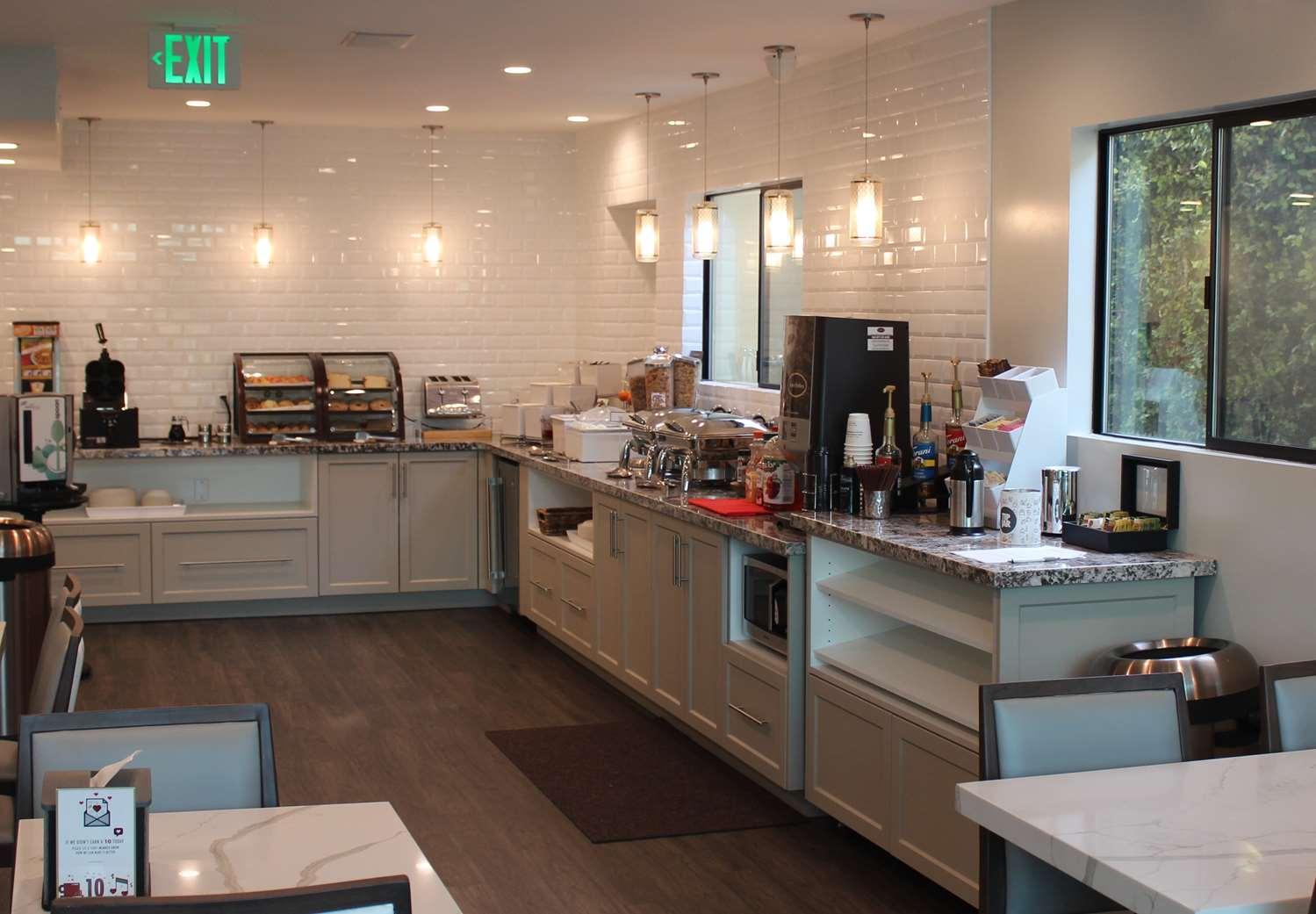 Restaurant - Best Western Woodland Hills Inn