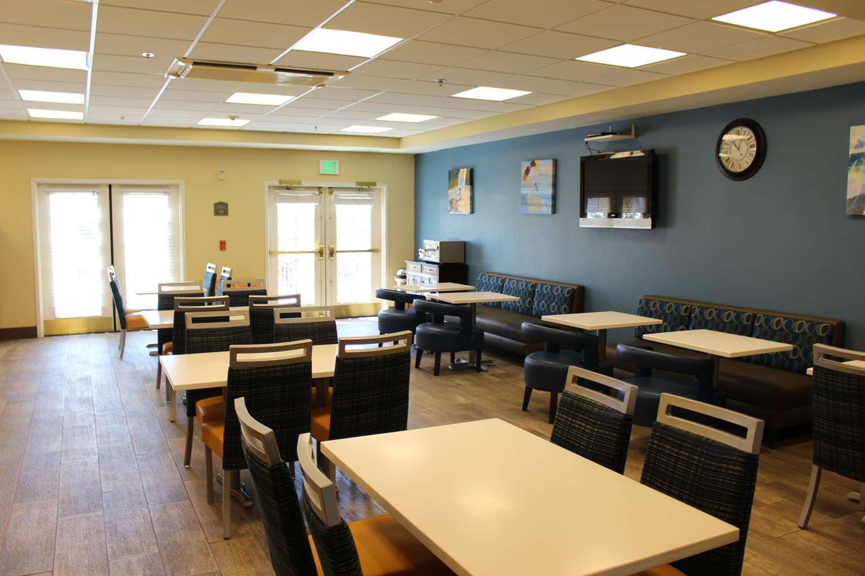 Restaurant - Best Western Plus Lake Elsinore Inn & Suites