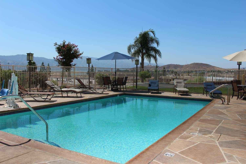 Pool - Best Western Plus Lake Elsinore Inn & Suites