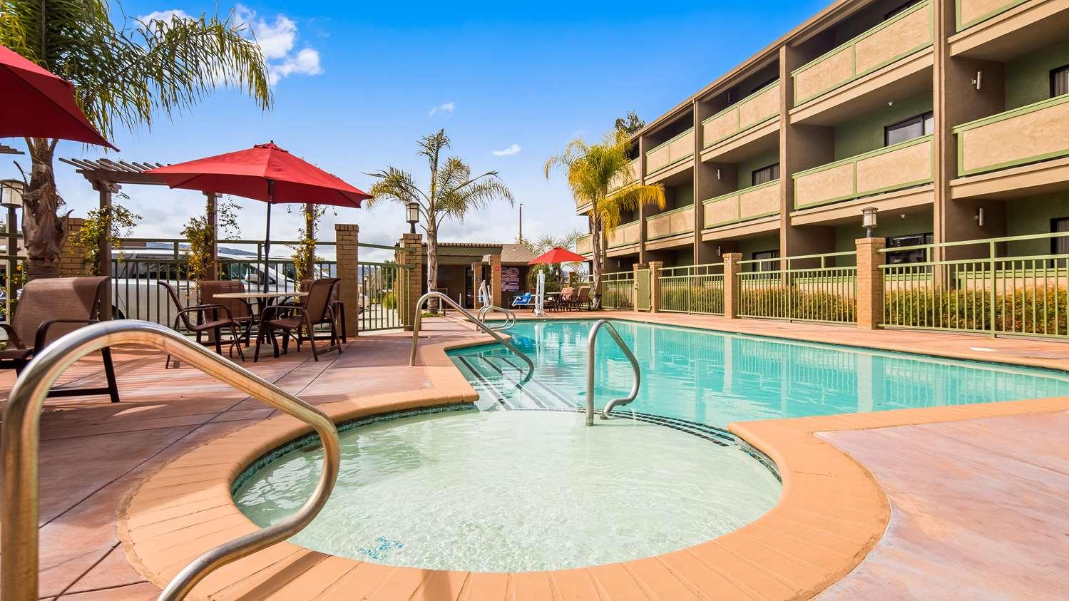 Pool - Best Western Plus Forest Park Inn Gilroy