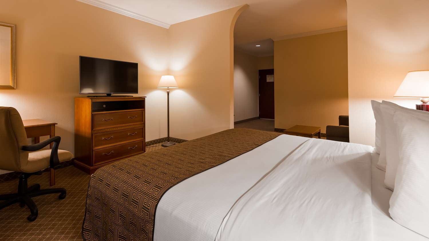 Room - Best Western Joshua Tree Hotel & Suites Yucca Valley