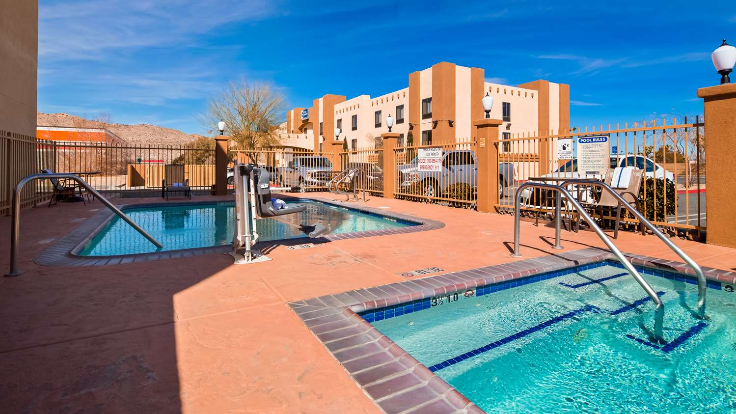 Pool - Best Western Joshua Tree Hotel & Suites Yucca Valley