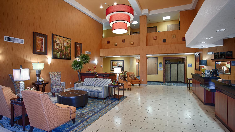 Lobby - Best Western Plus Fresno Inn