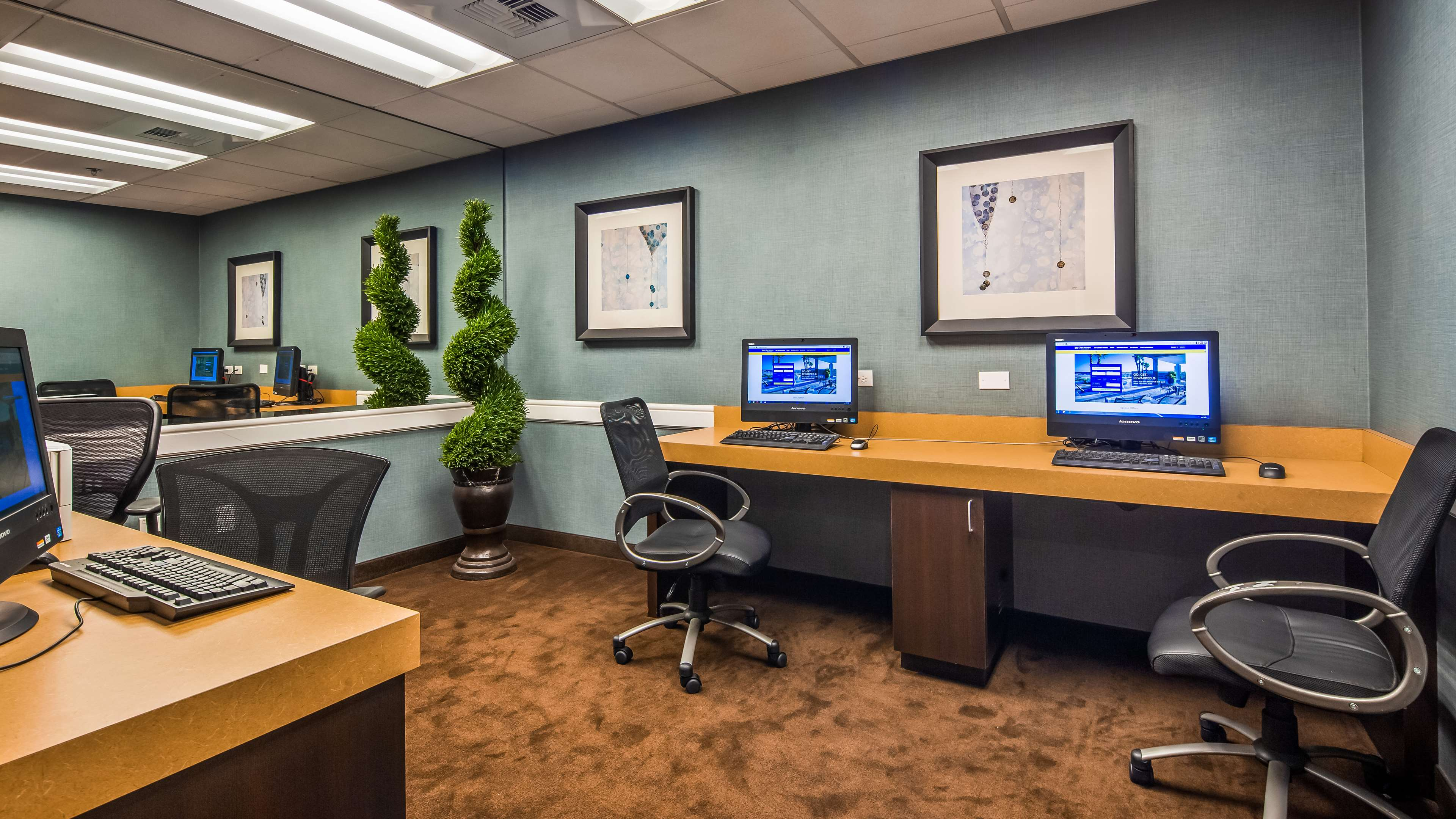 Business Center 150 of 267
