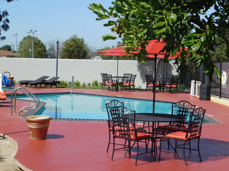 Pool - Best Western Plus Anaheim Orange County Hotel Placentia