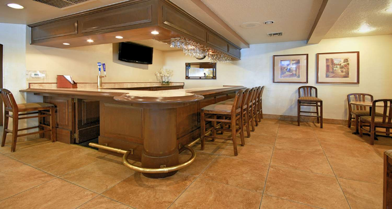 Bar - Best Western San Dimas Hotel & Suites
