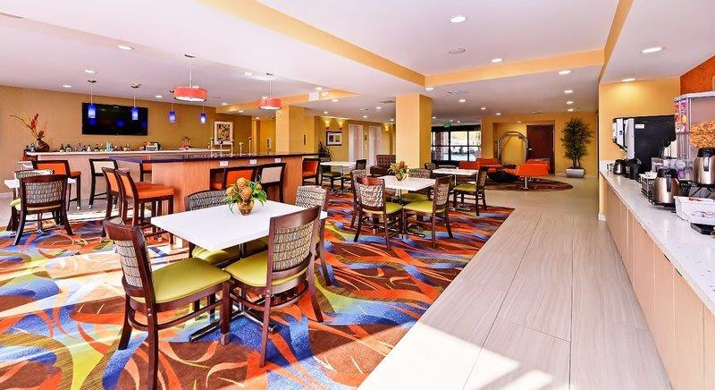 Bar - Best Western Plus Fresno Airport Hotel