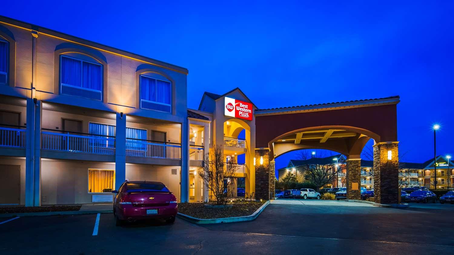 Exterior view - Best Western Plus Rancho Cordova Inn