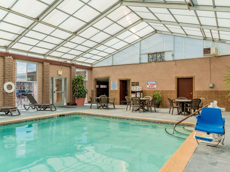 Pool - Best Western Alamosa Inn