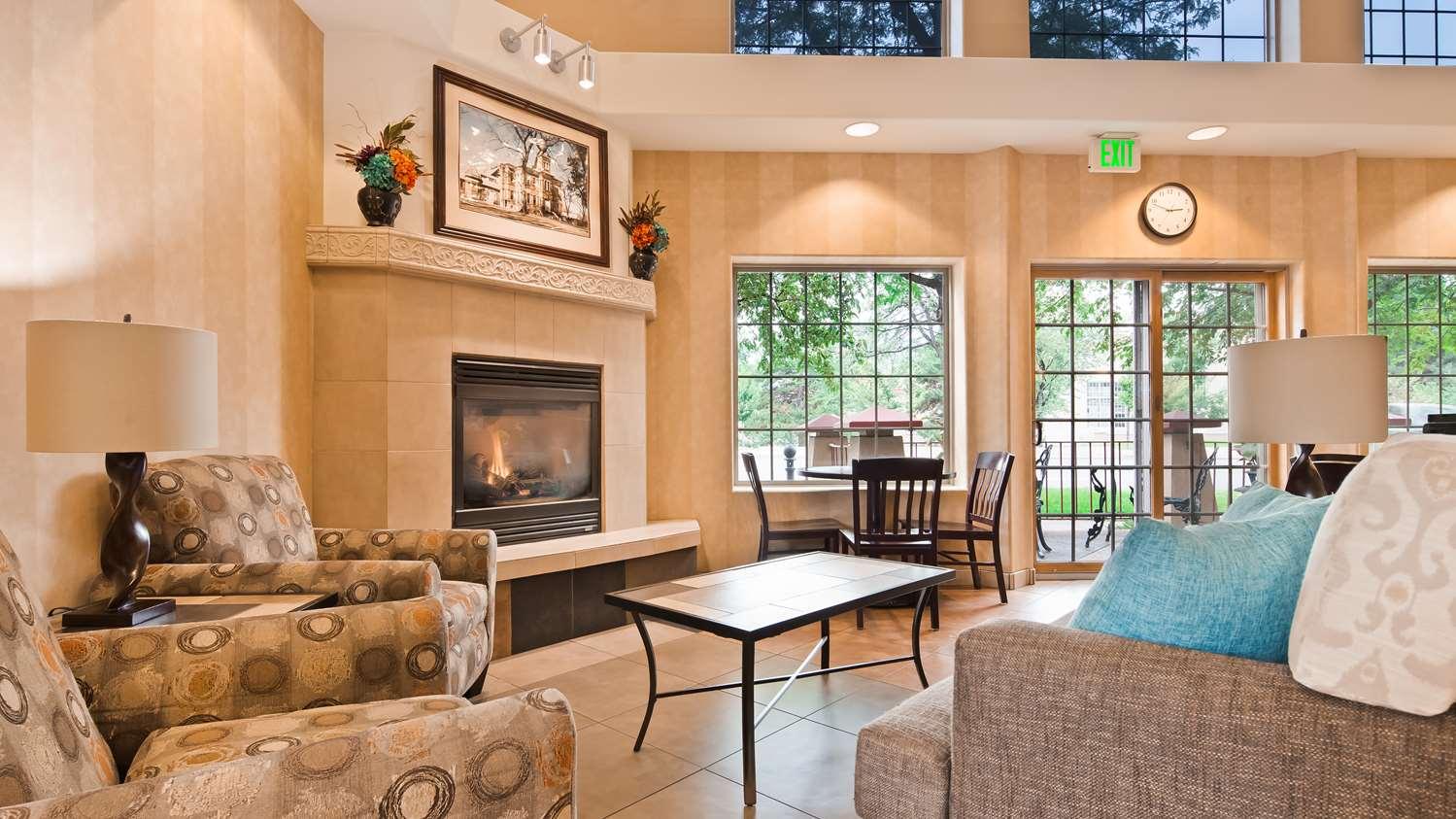 Lobby - Best Western University Inn Fort Collins