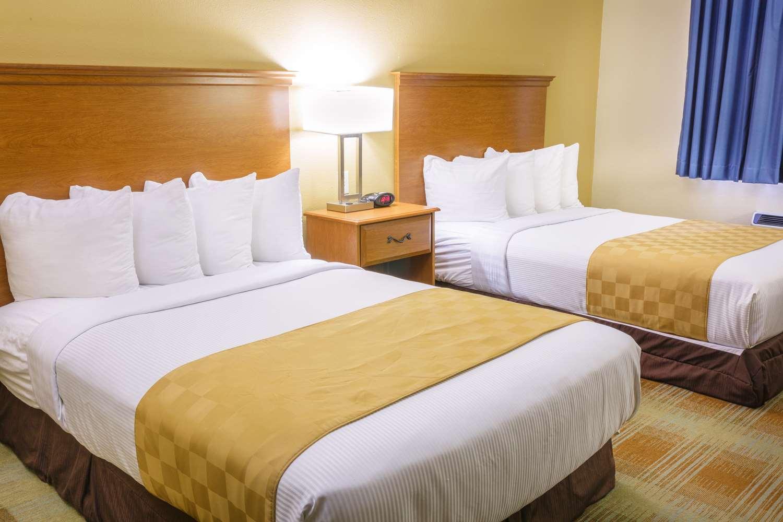 Room - Best Western Kiva Inn Fort Collins