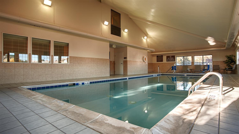 Pool - Best Western Inn & Suites Castle Rock