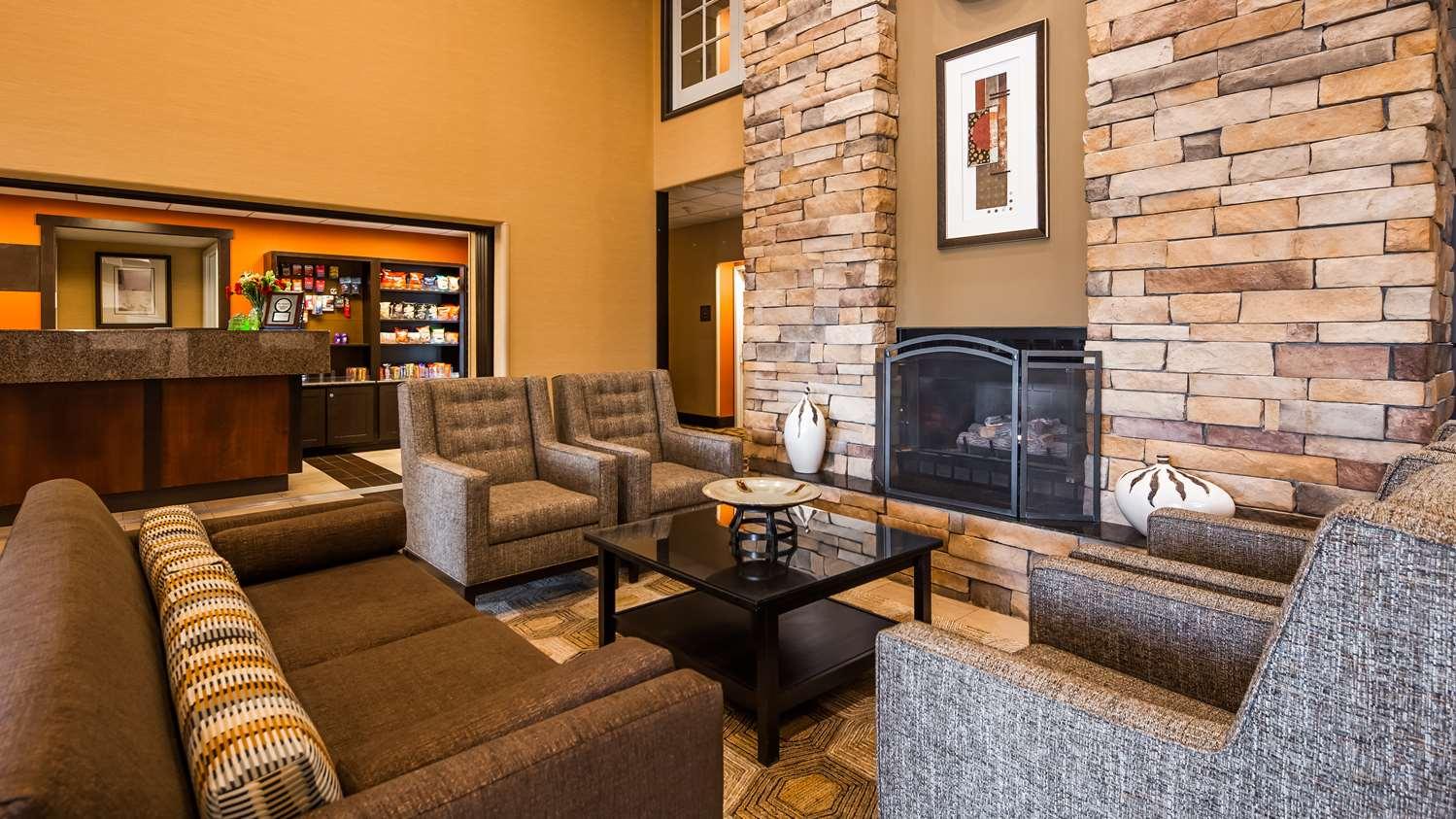 Lobby - Best Western Plus Castle Rock Hotel