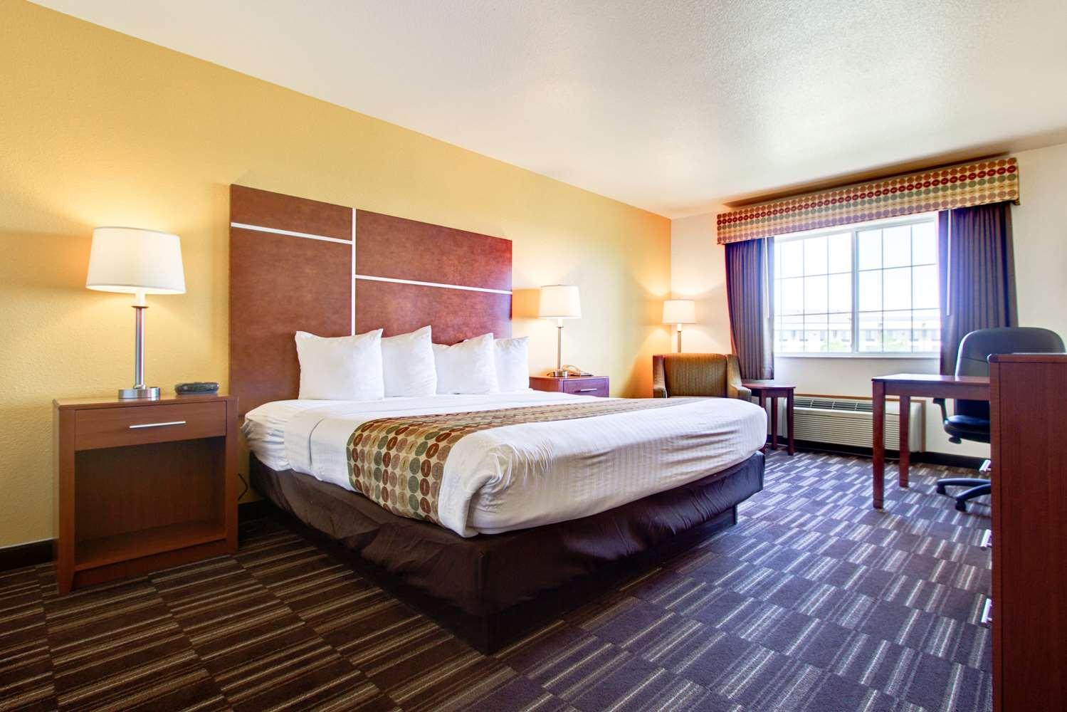 Room - Best Western Firestone Inn & Suites