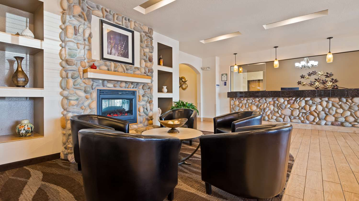 Lobby - Best Western Firestone Inn & Suites