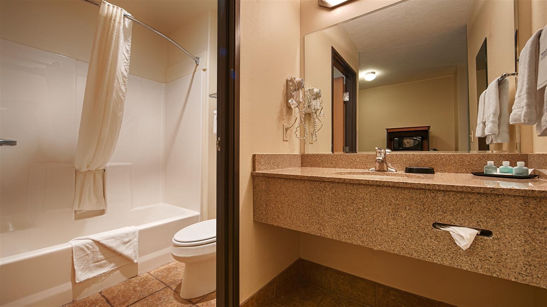 Room - Best Western Plus Eagleridge Inn & Suites Pueblo