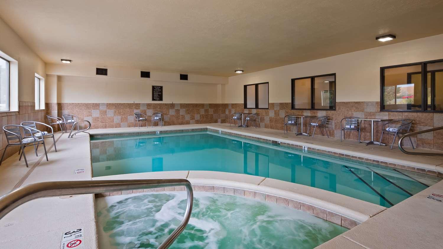 Pool - Best Western Plus Eagleridge Inn & Suites Pueblo