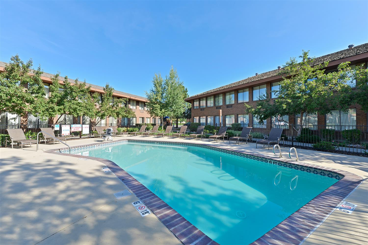 Pool - Best Western Plus Plaza Hotel Longmont