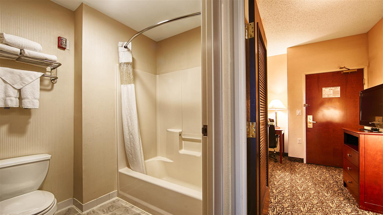 Room - Best Western Plus Louisville Inn & Suites